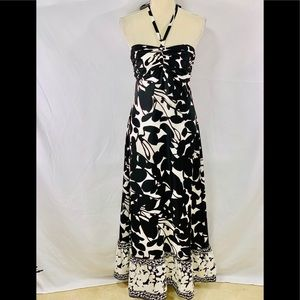 Gorgeous WHBM 💯% silk black & white halter dress
